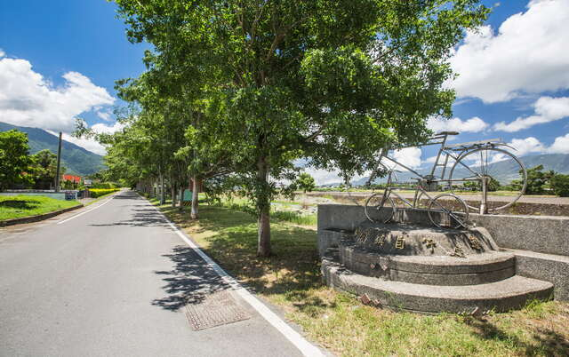 Guanshan Town Circle Bicycle Path